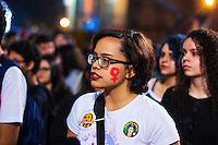 SÃO PAULO,SP, 01.07.2016 - PROTESTO- - Manifestantes protestam contra a cultura do estupro e contra o deputado Jair Bolsonaro, no vão livre do Masp, na Avenida Paulista, na noite desta sexta-feira (1). (Foto: Adailton Damasceno/Brazil Photo Press)
