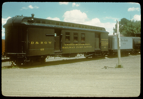 3/4 view Postal and Baggage car #05<br /> D&amp;RGW