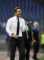 Calcio, Serie A: Roma - Atalanta, Stadio Olimpico, 27 agosto, 2018.<br /> Roma's coach Eusebio Di Francesco speaks to his players during the Italian Serie A football match between Roma and Atalanta at Roma's Stadio Olimpico, August 27, 2018.<br /> UPDATE IMAGES PRESS/Isabella Bonotto