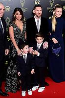 Lionel Messi et sa famille<br /> Parigi 02-12-2019 <br /> Calcio <br /> Pallone D'oro 2019 <br /> Golden Ball 2019 <br /> Ballon d'or 2019 <br /> Foto JB Autissier / Panoramic / Insidefoto