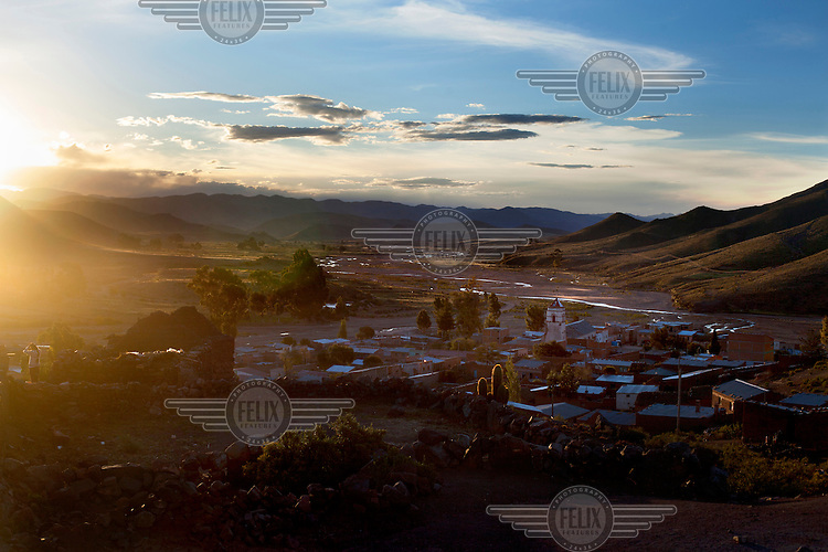 A view of the town of Macha. <br /> <br /> The people of Macha and surrounding communities carry on the pre-Columbian tradition of ritual fighting. The communities gather on the plaza of Macha to fight and dance in competition with each other. The blood that is spilled is an offering to Mother Earth. In return, the people ask for rain and a good harvest. This ritual is called tinku or fiesta de la cruz since the cross is also engaged in the festivities. The cross is dressed up, given offerings and brought from communities around Macha to the church in town. This syncretic festival melds pagan, pre-christian rituals with Catholic practice. /Felix Features