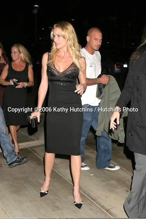 Nicolette Sheridan.Hollywood Life Stye Awards.Pacific Design Center.Los Angeles, CA.October 15, 2006.©2006 Kathy Hutchins / Hutchins Photo....