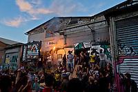 Roma 7 Maggio 2015<br /> Manifestazione contro lo sgombero e la distruzione dello spazio sociale occupato SCUP. I manifestanti hanno poi deciso di occupare un nuovo spazio, in via della stazione Tuscolana.<br /> Rome May 7, 2015<br /> Demonstration against the eviction and destruction of the social space occupied SCUP. The protesters then decided to occupy a new space, in the Tuscolana station.