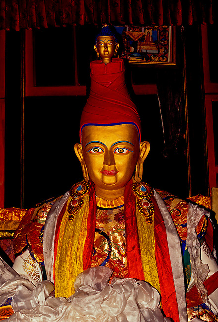 Statue of King Songtsen Gampo at Tombs of the Tibetan Kings, Tibet Autonomous Region, China, Asia