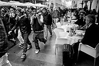 milano, manifestazione studentesca contro la riforma dell'istruzione. corso vittorio emanuele --- milan, student demonstration against the school reform. vittorio emanuele avenue