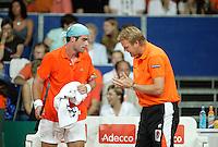 22-9-06,Leiden, Daviscup Netherlands-Tsjech Republic, Raemon Sluiter  with captain Bogtstra