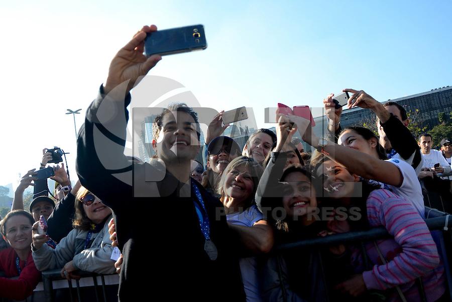 SÃO PAULO,SP, 12.06.2016 - CORRIDA-CANCER - Ator Anderson Di Rizzi durante  Corrida e Caminhada Contra o Câncer de Mama, com largada no Ibirapuera,12 em São Paulo.(Foto: Eduardo Martins / Brazil Photo Press)