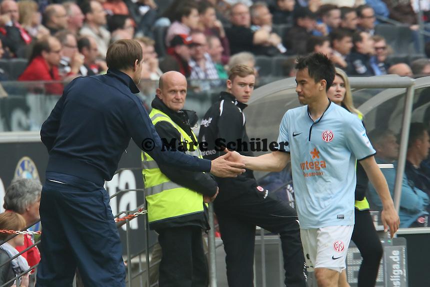 Trainer Thomas Tuchel mit Shinji Okazaki (Mainz) - Eintracht Frankfurt vs. 1. FSV Mainz 05