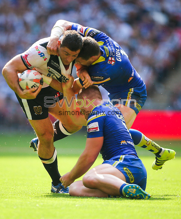 Picture by Alex Whitehead/SWpix.com - 27/08/2016 - Rugby League - Ladbrokes Challenge Cup Final - Hull FC v Warrington Wolves - Wembley Stadium, London, England - Hull FC's Mark Minichiello is tackled by Warrington's Kurt Gidley and Jack Hughes.