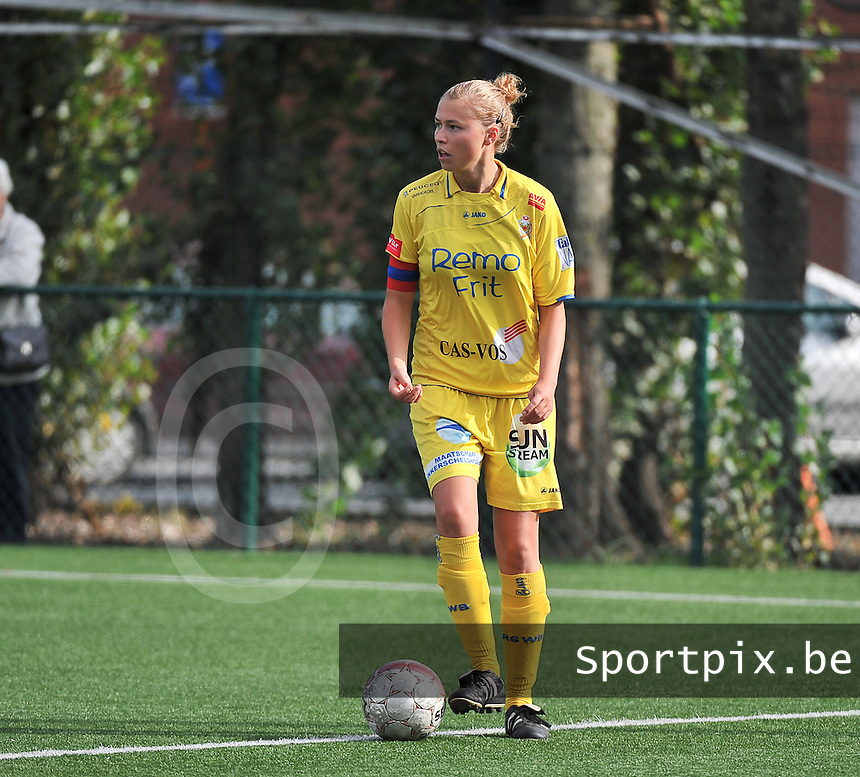 Dames Zulte Waregem - WB Sinaai Girls : Anouk Bonnarens<br /> foto David Catry / VDB