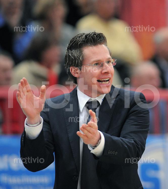 Basketball  1. Bundesliga  2008/2009  07.02.2008 Walter Tigers Tuebingen  -  Giants Noerdlingen Giants Trainer Andreas Wagner