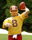 Ashburn, VA - June 16, 2007 -- Washington Redskin back-up quarterback Mark Brunell (8) throws a warm-up pass as he participates in the second day of the second and final mini-camp at Redskin Park in Ashburn, Virginia on Saturday, June 16, 2007..Credit: Ron Sachs / CNP