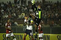 ATENÇÃO EDITOR: FOTO EMBARGADA PARA VEÍCULOS INTERNACIONAIS SÃO PAULO,SP,04 NOVEMBRO 2012 - CAMPEONATO BRASILEIRO - PORTUGUESA x BAHIA - Dida goleiro  da Portuguesa durante partida Portuguesa x Bahia válido pela 34º rodada do Campeonato Brasileiro no Estádio Doutor Osvaldo Teixeira Duarte (Canindé), na região norte da capital paulista na noite deste domingo (04).(FOTO: ALE VIANNA -BRAZIL PHOTO PRESS).
