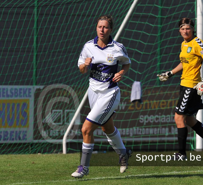 RSC Anderlecht Dames : Cynthia Browaeys.foto DAVID CATRY / Vrouwenteam.be