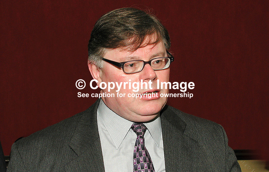 Richard Jay, member of N Ireland Civic Forum. Senior lecturer in Politics at Queen's University, Belfast. Ref: 2001021786. Taken Feb 21, 2001...Copyright Image from Victor Patterson, 54 Dorchester Park, Belfast, UK, BT9 6RJ..Tel: +44 28 9066 1296.Mob: +44 7802 353836.Voicemail +44 20 8816 7153.Skype: victorpattersonbelfast.Email: victorpatterson@mac.com.Email: victorpatterson@ireland.com (back-up)..IMPORTANT: If you wish to use this image or any other of my images please go to www.victorpatterson.com and click on the Terms & Conditions. Then contact me by email or phone with the reference number(s) of the image(s) concerned.