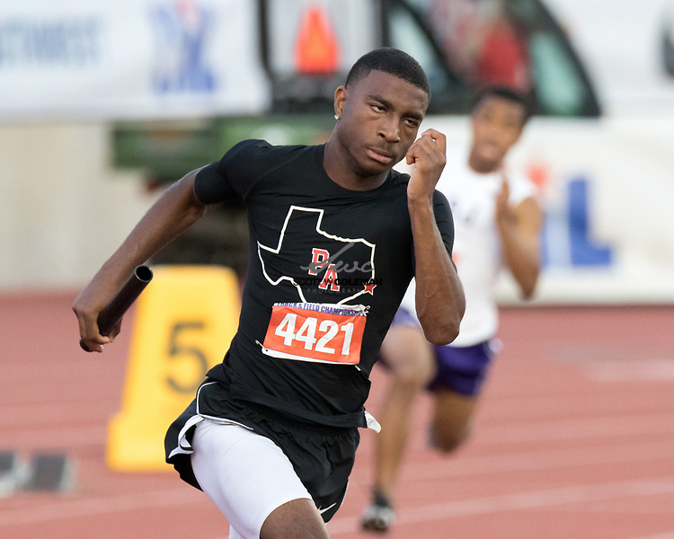Xavier Hull of Port Arthur Memorial runs in the Class 5A 4x200 meter relay event at the UIL State Track and Field Meet at Mike A. Myers Stadium in Austin, Texas, on Friday, May 12, 2017.