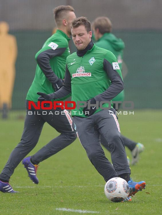 27.11.2013, Trainingsgelaende, Bremen, GER, 1.FBL, Training Werder Bremen, im Bild Philipp Bargfrede (Bremen #44)<br /> <br /> Foto &copy; nph / Frisch