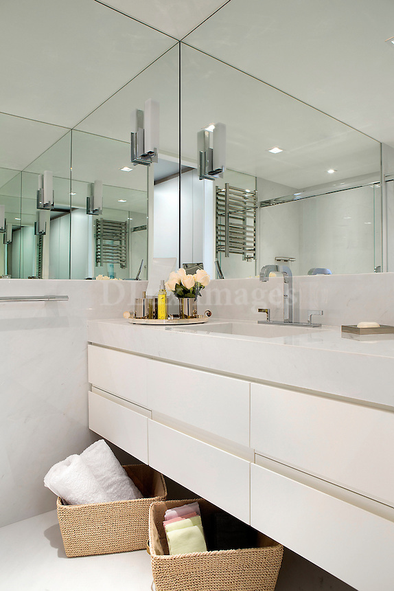 modern white washstand