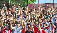 RECIFE, PE, 24 DE FEVEREIRO 2013 - CAMPEONATO PERNAMBUCANO - NÁUTICO x PETROLINA: Torcida organizada durante o 1° jogo no após o torcedor do Náutico ter sido baleado, o que motivou a Justiça proibir a presença das organizadas nos estadios de Pernambuco. 1° rodada do campeonato Pernambucano do 2° turno disputada no estadio dos Aflitos no Recife. FOTO: LÍBIA FLORENTINO - BRAZIL PHOTO PRESS