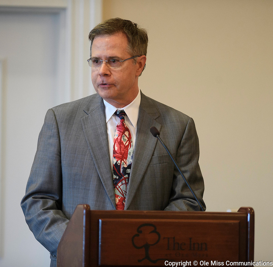 Chancellor Vitter hosts a town hall meeting at the Inn at Ole Miss. Photo by Thomas Graning/Ole Miss Communications