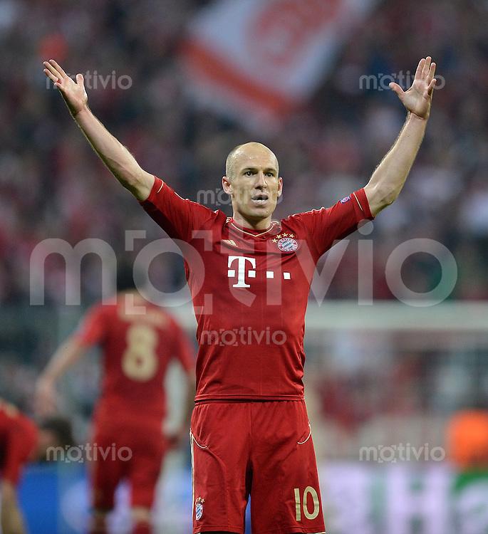 FUSSBALL  CHAMPIONS LEAGUE  HALBFINALE  HINSPIEL  2012/2013      FC Bayern Muenchen - FC Barcelona      23.04.2013 Torjubel: Arjen Robben (FC Bayern Muenchen)