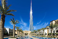 United Arab Emirates, Dubai: Burj Khalifa, the world's tallest building | Vereinigte Arabaische Emirate, Dubai: Burj Khalifa Dubai (das hoechste Gebaeude der Welt) und die Dubai Mall