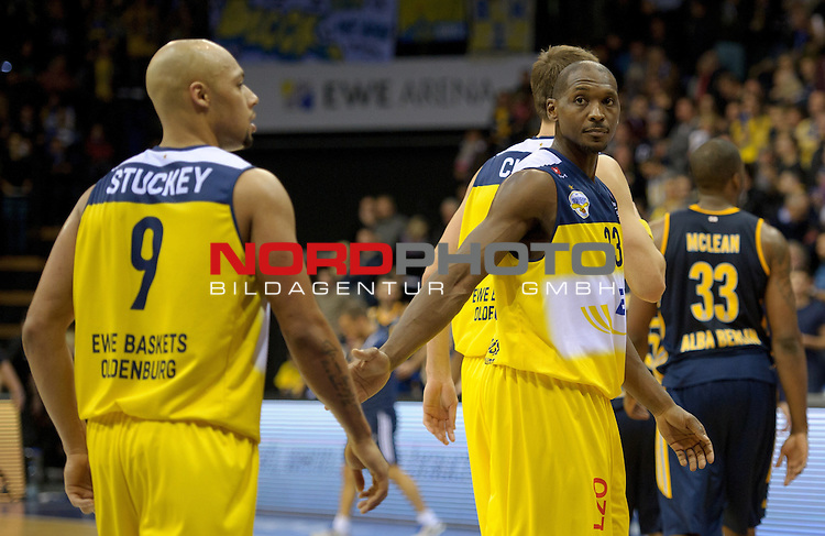 30.11.2014, EWE Arena, Oldenburg, GER, BBL, EWE Baskets Oldenburg vs ALBA BERLIN, im Bild Maurice Stuckey (Oldenburg #9), Rickey Paulding (Oldenburg #23)<br /> <br /> Foto &copy; nordphoto / Frisch