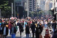 SÃO PAULO, SP, 12.06.2016 - MOVIMENTAÇÃO-PAULISTA - Movimentação na avenida Paulista, região central de São Paulo (SP), neste domingo,12. (Foto: Yuri Alexandre/Brazil Photo Press)