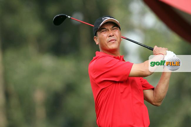 Zhang Lian-wei (CHN) on the 18th during Round 1 of the UBS Hong Kong Open 2012, Hong Kong Golf Club, Fanling, Hong Kong. 15/11/12...(Photo Jenny Matthews/www.golffile.ie)