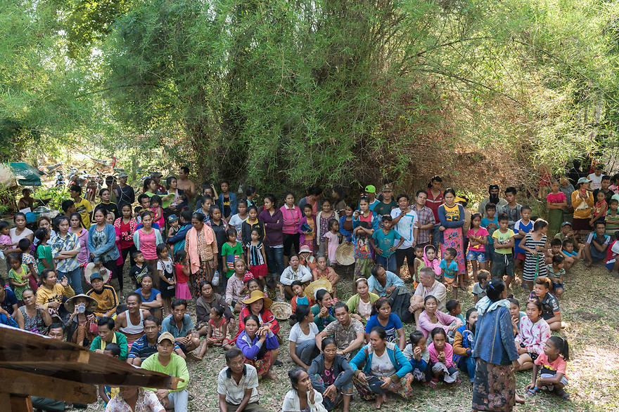 May 1st, 2017 - Nakasang (Laos). Onlookers have gathered to watch the phi bob ceremony, including large numbers of children. © Thomas Cristofoletti / Ruom