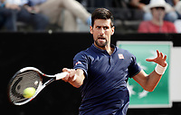 Il tennista serbo Novak Djokovic in azione nel corso degli Internazionali d'Italia di tennis a Roma, 18 maggio <br /> Serbian tennis player Novak Djokovic in action during the italian Masters tennis in Rome, on May 18,2017.<br /> UPDATE IMAGES PRESS/Isabella Bonotto