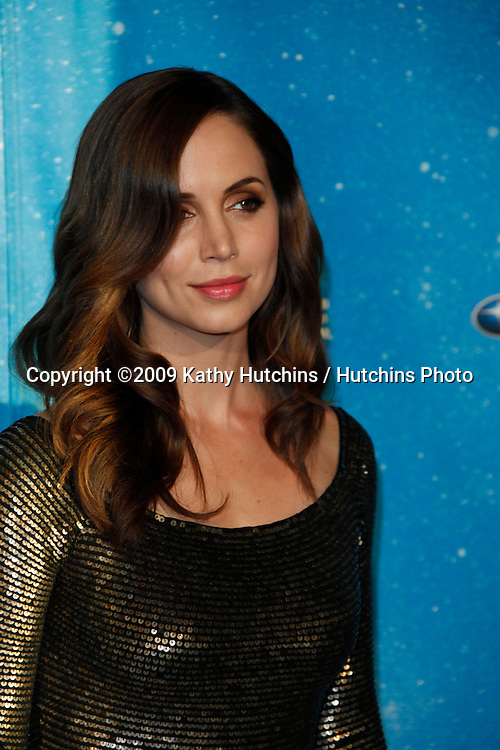 Eliza Dushku.arriving at the  Scream Awards 2009.Greek Theater.Los Angeles,  CA.October 17, 2009.©2009 Kathy Hutchins / Hutchins Photo.