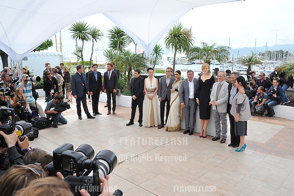 Cannes Jury President Steven Spielberg with fellow jurors Nicole Kidman, Ang Lee, Daniel Auteuil, Christoph Waltz, Vidya Balan, Naomi Kawase, Lynne Ramsay & Cristian Mungiu at the photocall for the Jury of the 66th Festival de Cannes..May 15, 2013  Cannes, France.Picture: Paul Smith / Featureflash