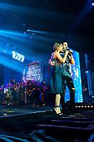 SAO PAULO,SP, 09.04.2017 - SHOW-SP - O cantor Luan Santana durante show no Espaço das Américas na região oeste de São Paulo neste domingo,09. A cantora Sandy, fez uma participação. ( Foto: Paulo Garcia/Brazil Photo Press)