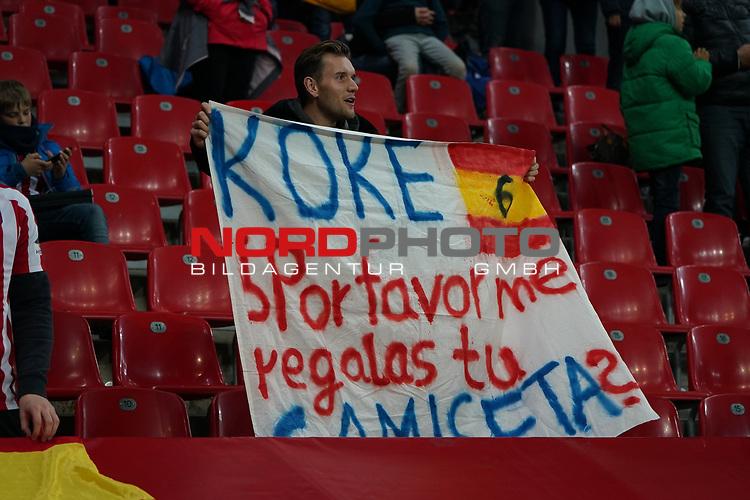 06.11.2019, BayArena, Leverkusen, Championsleague, Vorrunde, 4. Spieltag, GER, UEFA  CL, Bayer 04 Leverkusen (GER) vs. Atletiko Madrid (ESP),<br />  <br /> UEFA regulations prohibit any use of photographs as image sequences and/or quasi-video<br /> <br /> im Bild / picture shows: <br /> spanische Fans <br /> <br /> Foto © nordphoto / Meuter<br /> <br /> <br /> <br /> Foto © nordphoto / Meuter