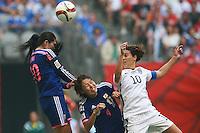 VANCOUVER, CANADÁ, 05.07.2015 - EUA-JAPÃO - Sawa (E) do Japão durante partida contra os Estados Unidos jogo válido pela final da Copa do Mundo de Futebol Feminino no Estádio BC Place em Vancouver  no Canadá neste domingo, 05. (Foto: William Volcov/Brazil Photo Press)