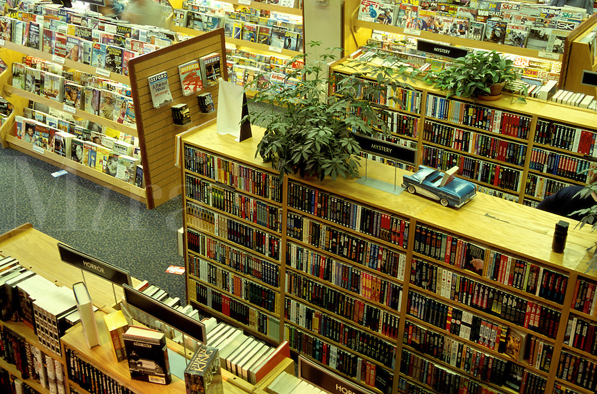 bookstore, Borders, interior, Burlington, Vermont, Borders Bookstore, Interior of Borders Books in Burlington.