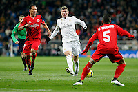Toni Kroos, centre, of Real Madrid during La Liga match between Real Madrid and Sevilla at Santiago Bernabeu Stadium in Madrid, Spain. February 04, 2015. (ALTERPHOTOS/Caro Marin) /NORTEphoto.com