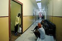 Roma, 13 Giugno 2015<br /> Vi Tiburtina.<br /> Centinaia di migranti hanno trovato rifugio nel centro di accoglienza Baobab di Via Cupa e nelle vie limitrofe.<br /> L'interno del centro di accoglienza