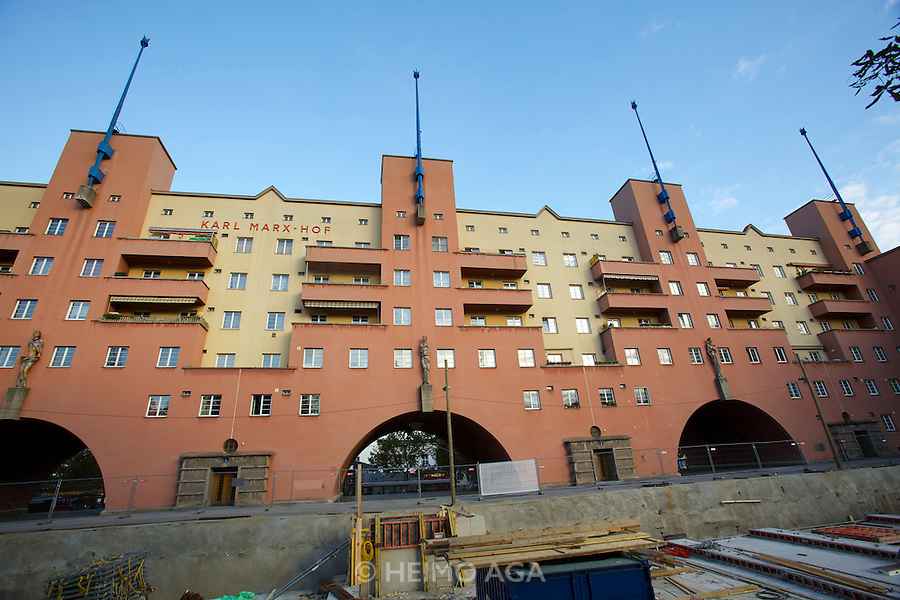 Vienna, Karl-Marx-Hof. A new garage is being built under the park at 12. Februar-Platz.