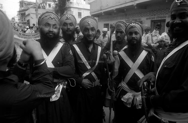 11.2010 Bundi (Rajasthan)<br /> <br /> Sikh monks during guru Nanak festival.<br /> <br /> Moines sikh pendant la f&ecirc;te de guru Nanak.