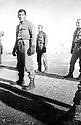 Turquie 1981.Au premier plan, Behrun Aygoren pendant son service militaire.Turkey 1981.In the foreground, Behrun Aygoren during his military service