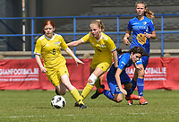 20190422 - Denderleeuw, BELGIUM : Yellow Flames Lauren Meyers (L) and Tess Lemeir (M) with Febe De Roy (R) pictured during the final of the Under 16 Belgian Cup 2019, a soccer game between AA GENT Ladies B and The Yellow Flames1.0 , in the Van Roystadion in Denderleeuw , Monday 22 th April 2019  , PHOTO SPORTPIX.BE / DIRK VUYLSTEKE
