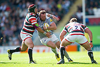 Henry Thomas of Bath Rugby takes on the Leicester Tigers defence. Aviva Premiership match, between Leicester Tigers and Bath Rugby on September 25, 2016 at Welford Road in Leicester, England. Photo by: Patrick Khachfe / Onside Images