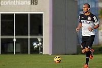 SAO PAULO, SP 27 SETEMBRO 2013 - TREINO CORINTHIANS - O jogador Guilherme durante o treino de hoje, no Ct. Dr. Joaquim Grava. foto: Paulo Fischer/Brazil Photo Press.
