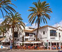 Spanien, Andalusien, Provinz Málaga, Costa del Sol, Puerto Banús bei Marbella: Yachthafen, Anlaufpunkt des Jetsets, der Stars und Sternchen - Promenade, Cafes | Spain, Andalusia, Costa del Sol, Puerto Banús near Marbella: yacht harbour - promenade, cafes
