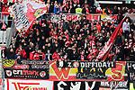 Fans von Union Berlin beim Spiel in der Fussball Bundesliga, 1. FSV Mainz 05 - 1. FC Union Berlin.<br /> <br /> Foto © PIX-Sportfotos *** Foto ist honorarpflichtig! *** Auf Anfrage in hoeherer Qualitaet/Aufloesung. Belegexemplar erbeten. Veroeffentlichung ausschliesslich fuer journalistisch-publizistische Zwecke. For editorial use only. DFL regulations prohibit any use of photographs as image sequences and/or quasi-video.