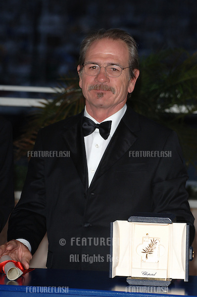 Actor TOMMY LEE JONES, winner of the Best Actor Award for his movie The Three Burials of Melquiades Estrada, at the Awards Ceremony & screening of Chromophobia at the 58th Annual Film Festival de Cannes..May 21, 2005 Cannes, France..© 2005 Paul Smith / Featureflash