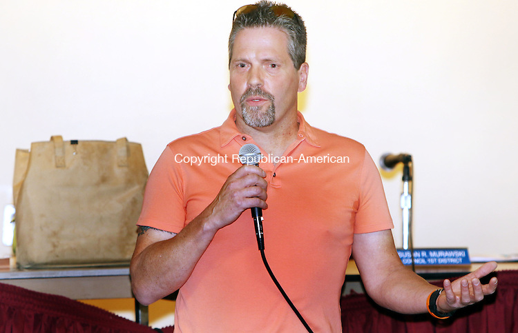 PLYMOUTH CT. 26 October 2015-102715SV12-Plymouth independent mayoral candidate Willliam A. Heering speaks at the senior center during a meet the candidates in Plymouth Tuesday. <br /> Steven Valenti Republican-American