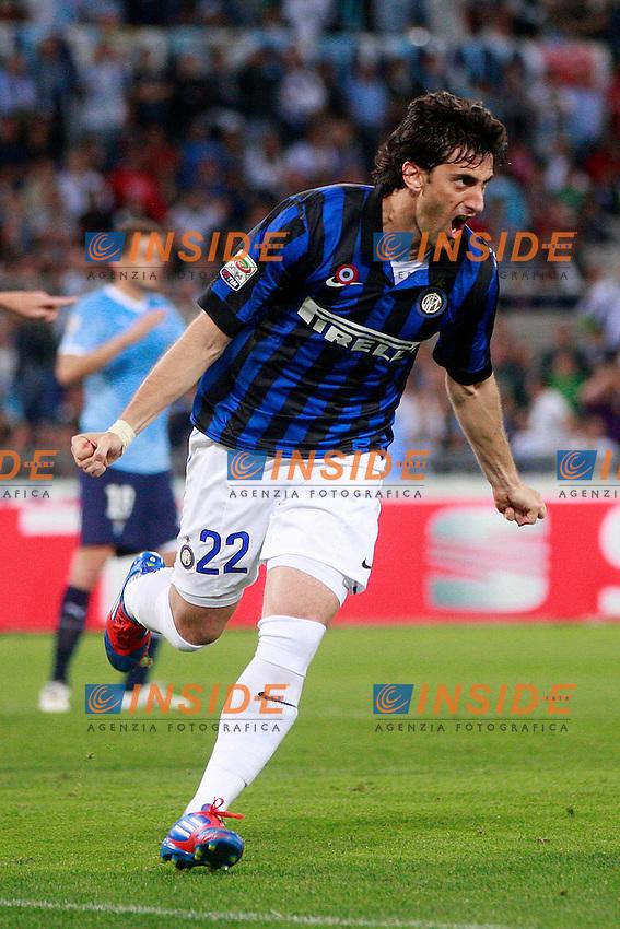 """Esultanza di Diego Milito Inter.Goal celebration.Roma 13/05/2012 Stadio """"Olimpico"""".Football / Calcio Serie A 2011/12 AS Roma vs Inter.Foto Insidefoto Paolo Nucci."""
